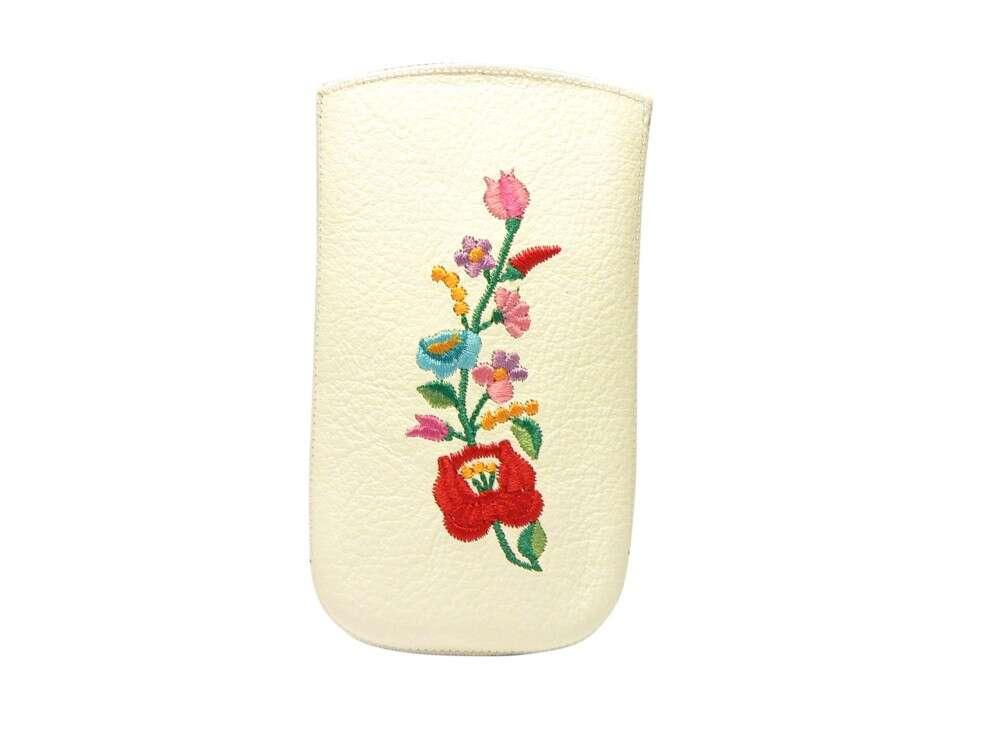 ebeaf885fe Apple Iphone 4S fehér kalocsai mintás tok - Mobiltelefon bebújos tok ...